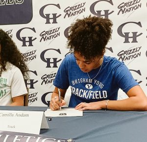 Camilla signs her NLI to BYU